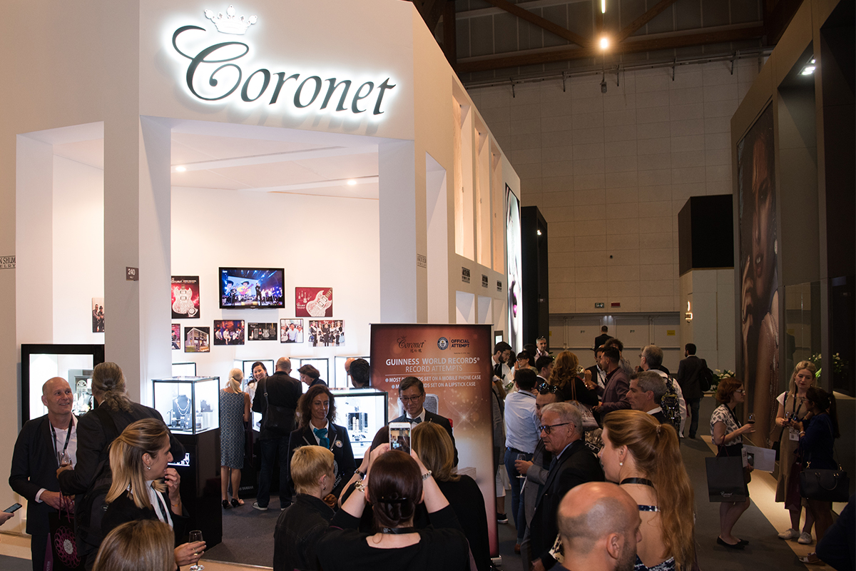 Coronet: when luxury is a Guinness record